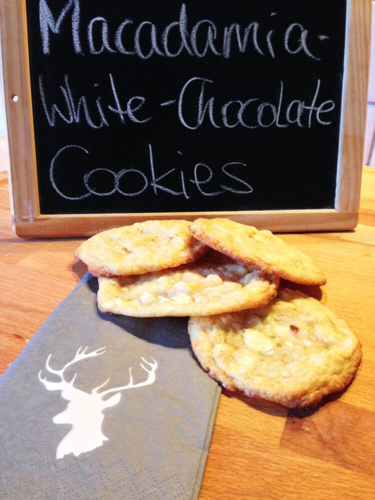 Macadamia-White-Chocolate Cookies