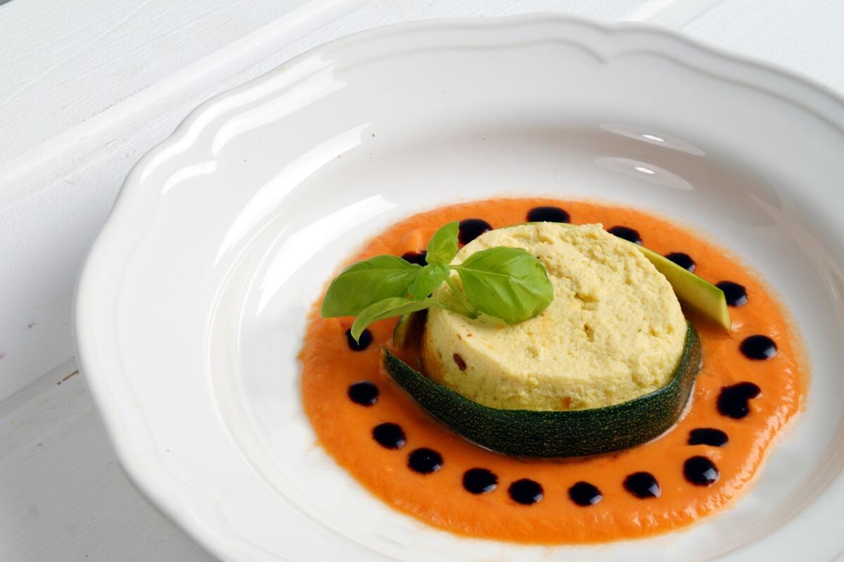 Gastbeitrag von Domenico: Zucchiniflan mit Tomatensauce