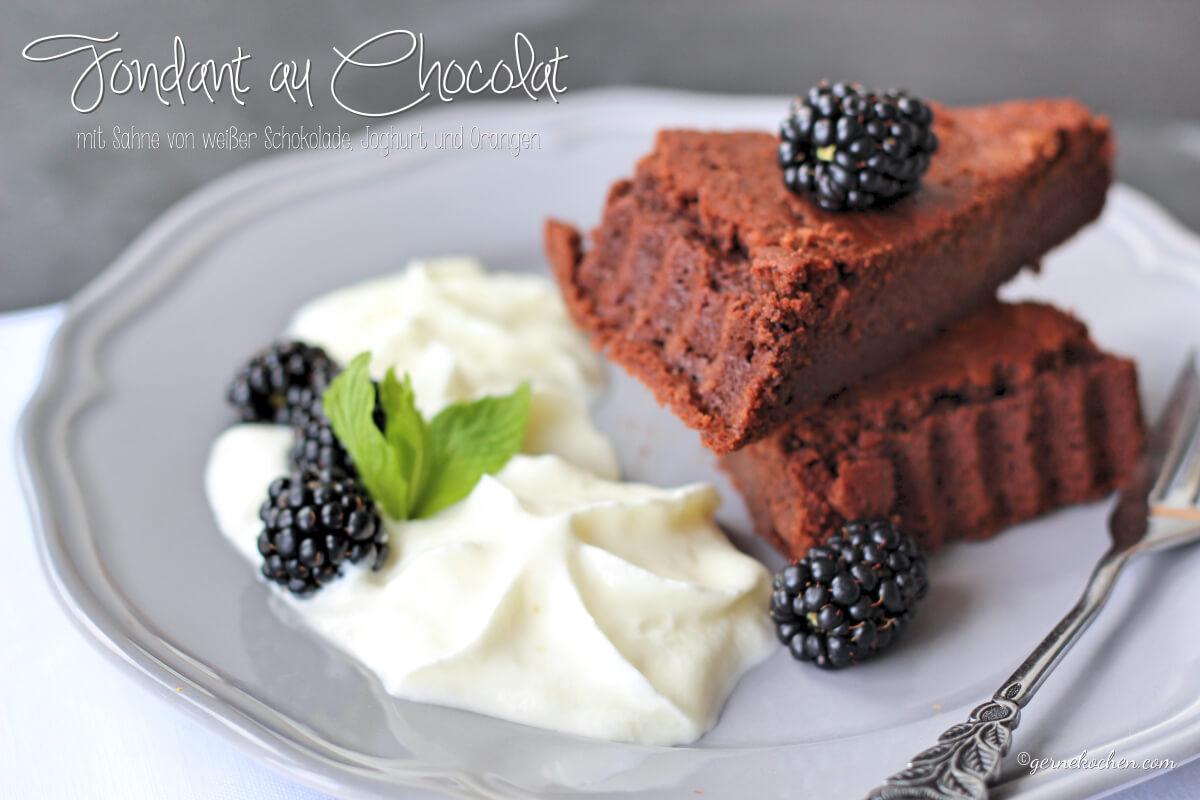 Fondant au Chocolat mit weißem Schokoladen-Joghurt Espuma