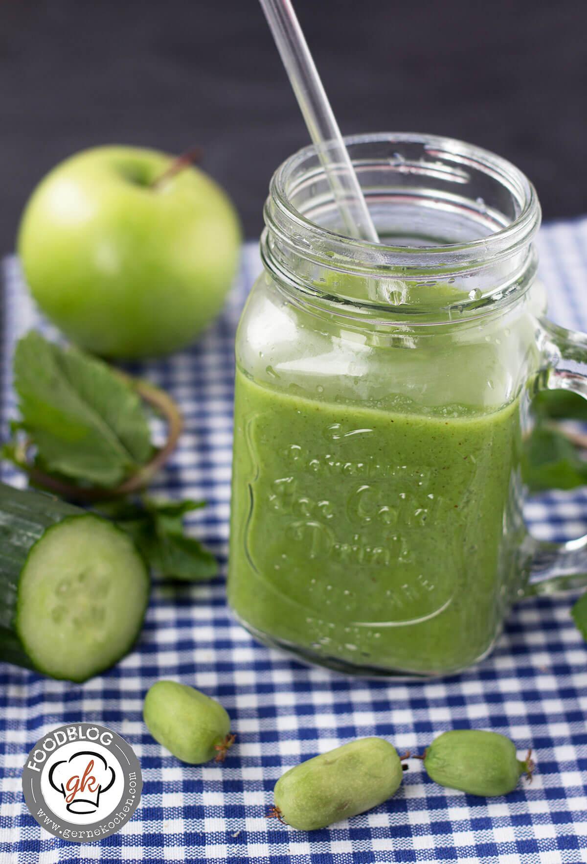 Geballte Power in Grün: Apfel-Gurke-Kiwibeeren Smoothie