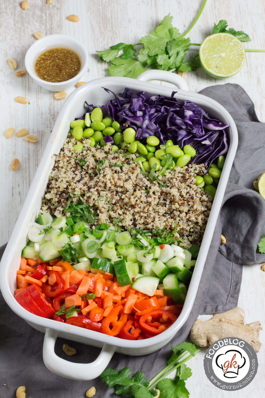 rezept thai quinoa salat superfood to go. Black Bedroom Furniture Sets. Home Design Ideas