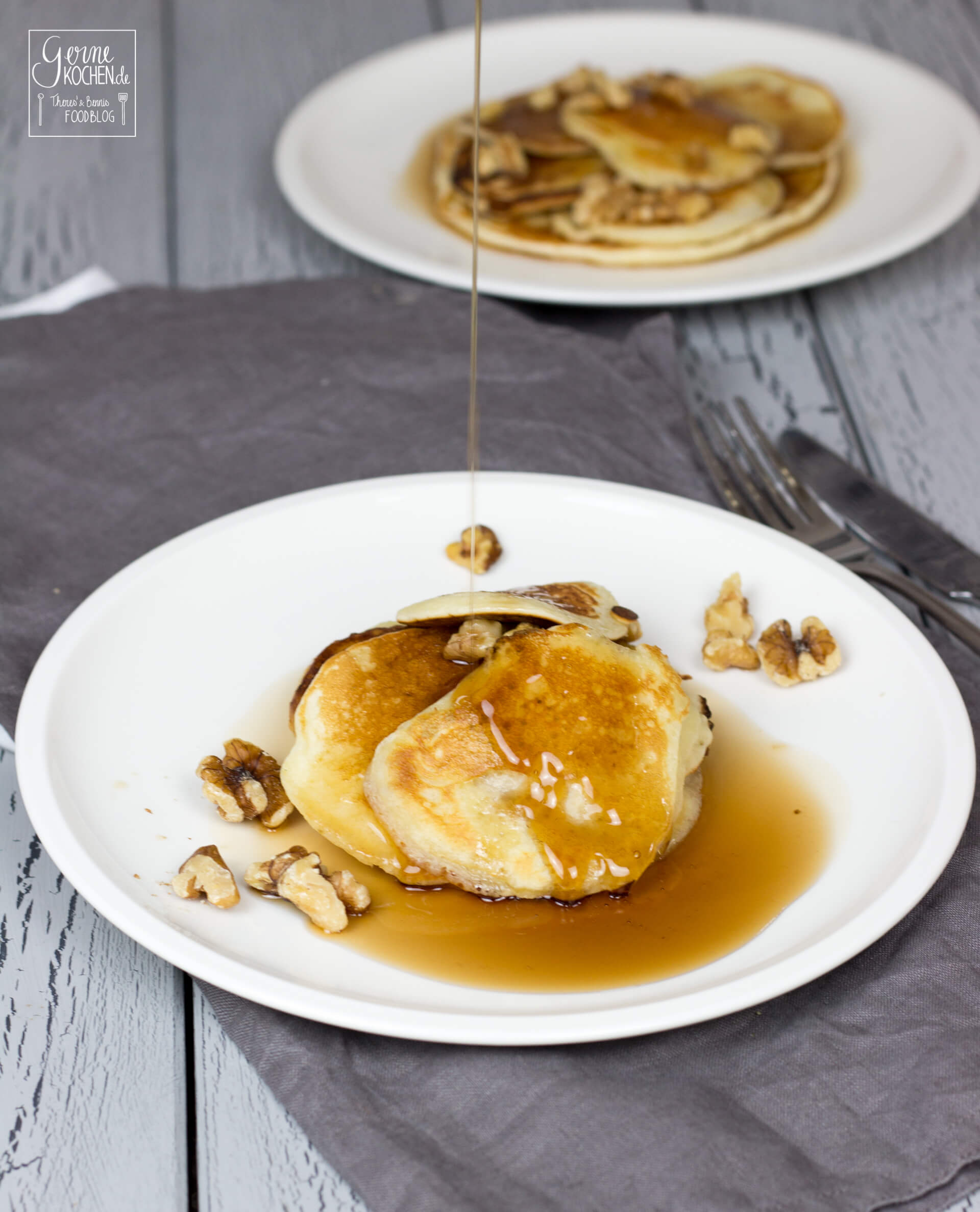 rezept buttermilch pancakes mit ahornsirup waln ssen gernekochen. Black Bedroom Furniture Sets. Home Design Ideas