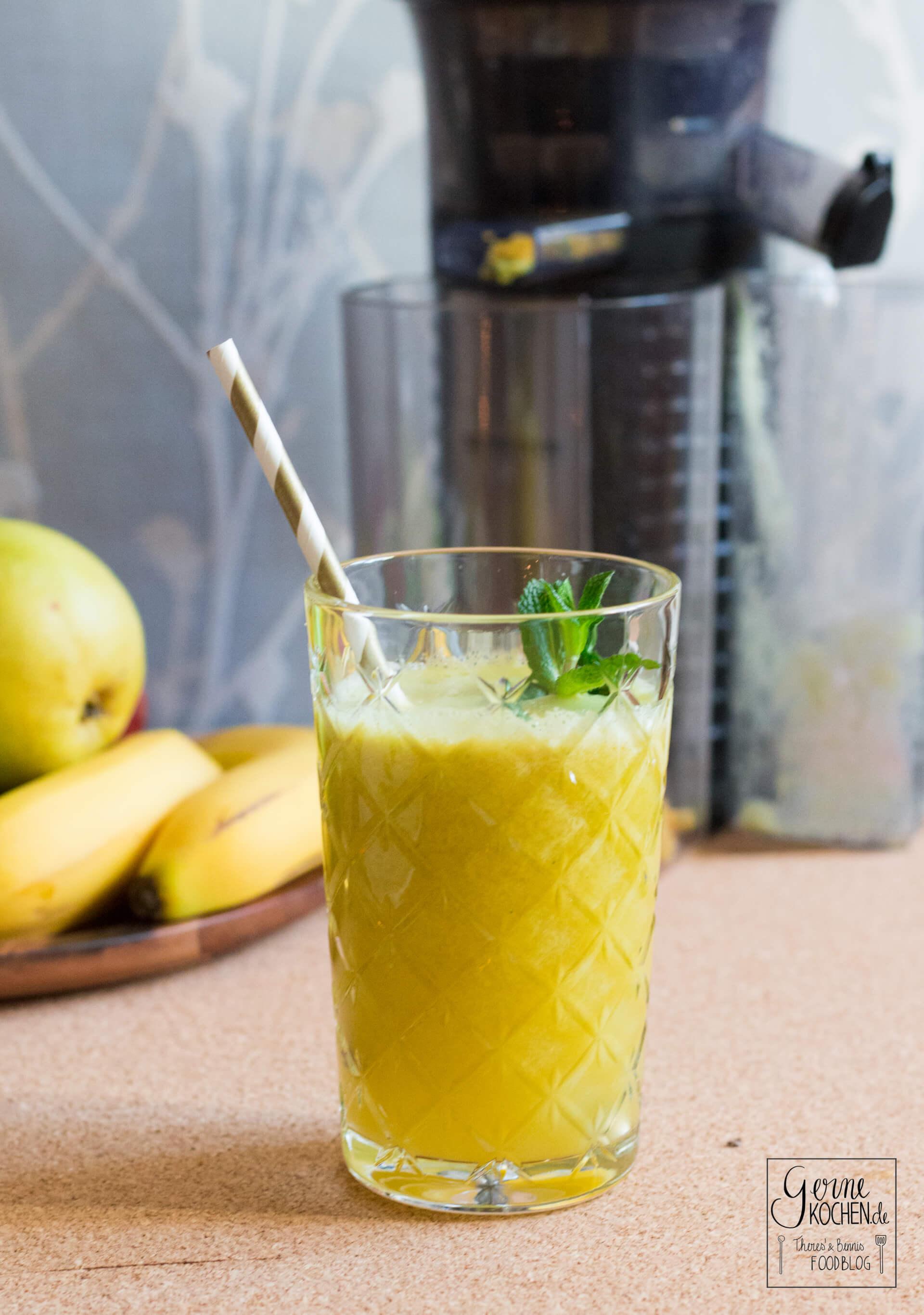 Slow Juicer Cocktails : Rezept: Unser Guten-Morgen-Saft aus nur drei Zutaten - gernekochen.de