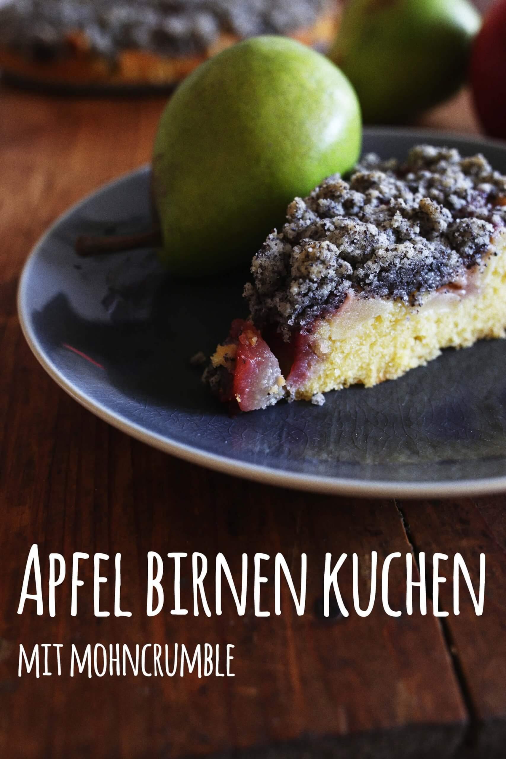 Bloggeburtstag, Gast Nr. 14: Katti von Pottgewächs mit einem Apfel Birnen Kuchen mit Mohncrumble