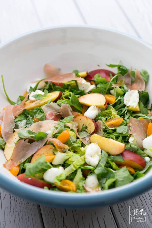 Rezept: Grüner Salat mit Nektarinen - gernekochen.de