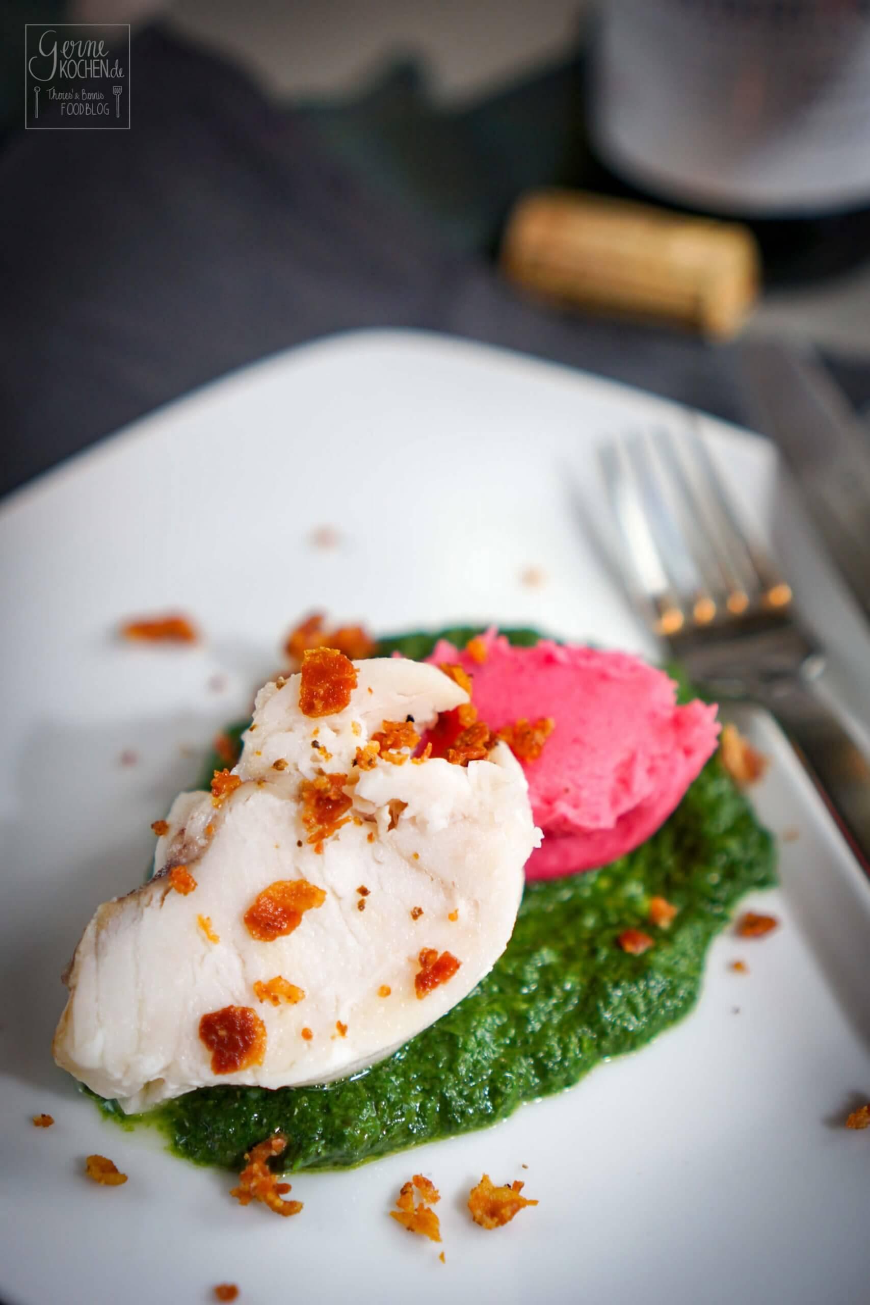 Seeteufel auf Curry-Rahmspinat und pinkem Kartoffelpüree: Gang Nr. 4 beim #10GängefüreinHalleluja
