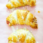 Erdbeer-Cheesecake-Croissants