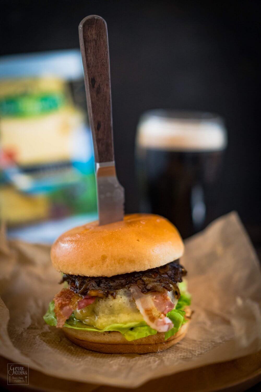 Big Irish Burger mit Vintage Cheddar