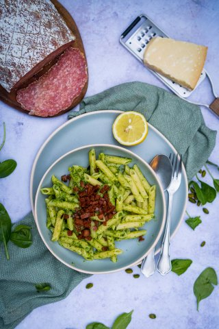 Spinat-Pistazien-Pesto
