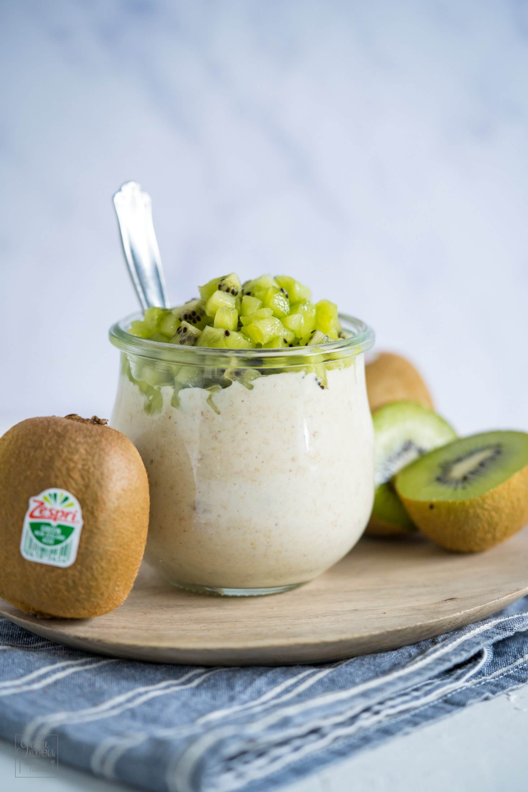 overnight oats mit green kiwi