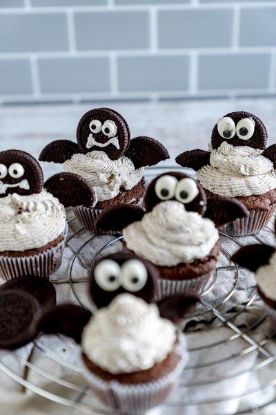 Oreo Cupcakes: Fledermaus zu Halloween